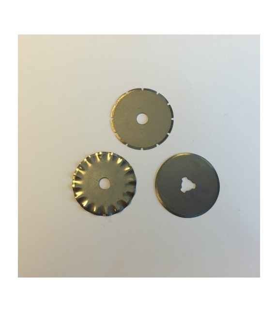 Spare blades for rotary cutter 28mm - 1 straight, 1 wave, 1 perf.