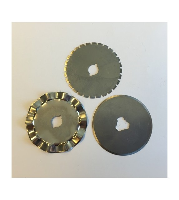 Spare blades for rotary cutter 45mm - 1 straight, 1 wave, 1 perf.